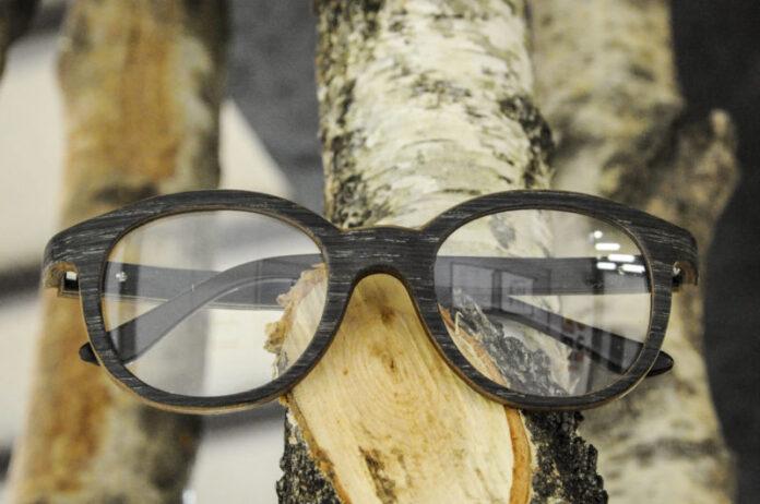 L'occhiale green made in Dolomiti che viene da legni certificati