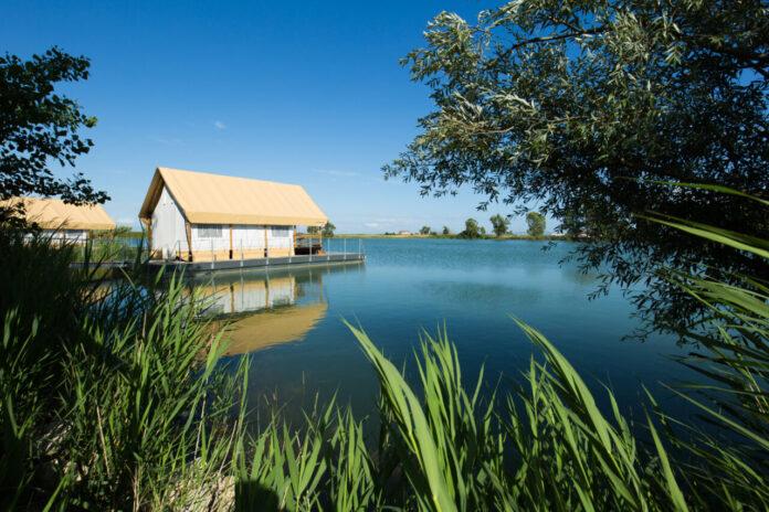 Laghi Nabi, oasi naturale e ciclabile luminescente più lunga d'Europa