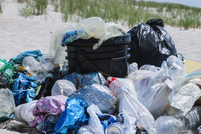 Tassa sulla plastica: Ronchi, inefficace se gli obiettivi sono ambientali
