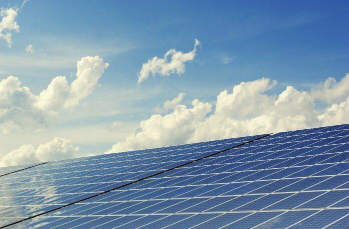 Energie rinnovabili, l'Italia frena: 3 gesti concreti per fare la tua parte