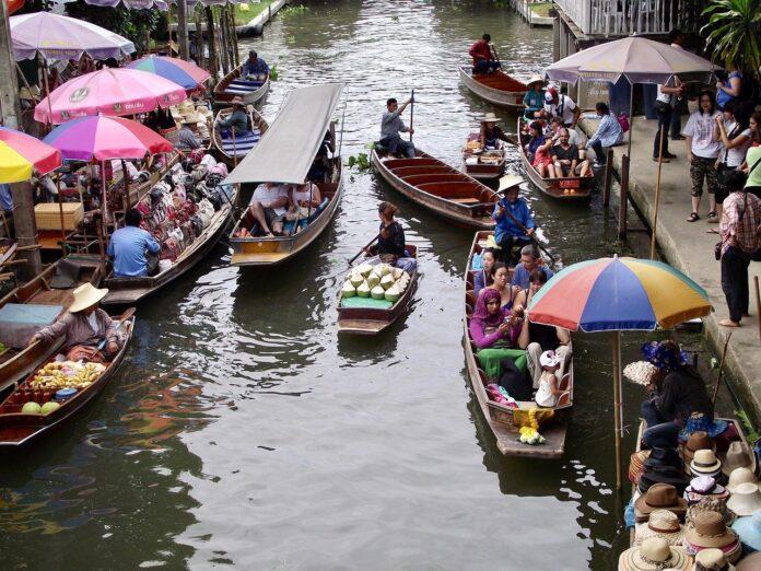 Alla scoperta dei Mercati Galleggianti della Thailandia