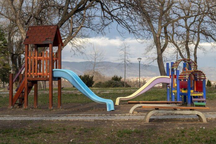 PlastiLab, parchi giochi dai rifiuti di plastica riciclati