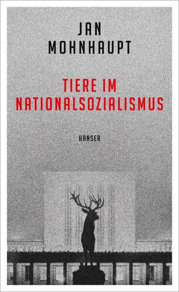 """Hitler, l'idea della """"razza eletta"""" anche con gli animali: lo rivela un libro"""
