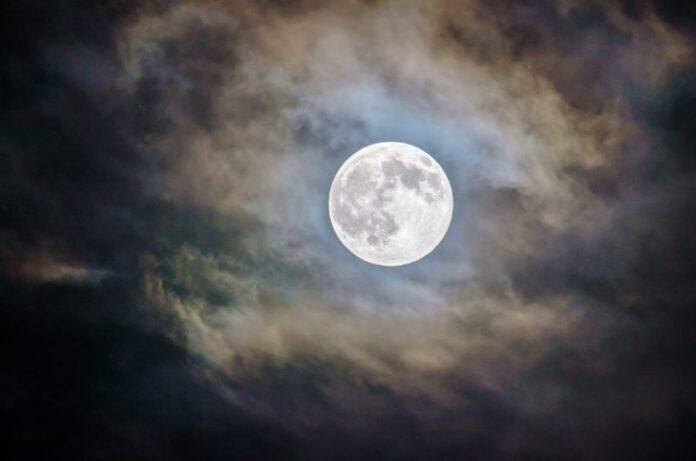 Luna, un radar ne svela la parte oscura