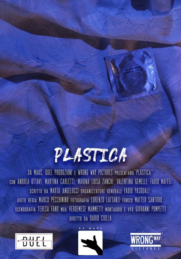 """La """"Plastica"""" fa male anche al sesso, il cortometraggio di denuncia"""