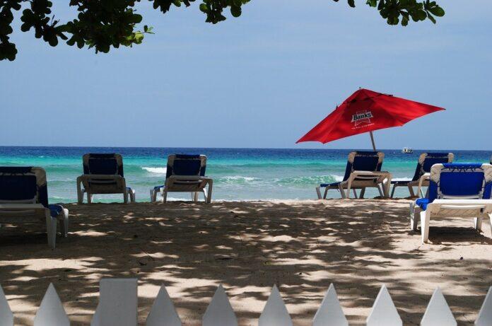 Smart working: Barbados lancia proposta e invita a lavorare per un anno dai Caraibi