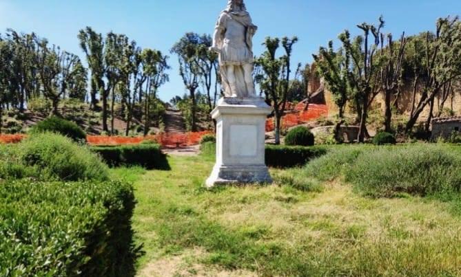 Horti Leonini a San Quirico d'Orcia, lavori e qualche interrogativo