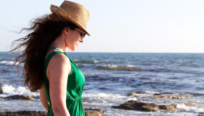 La moda si tinge di verde: vestire la sostenibilità