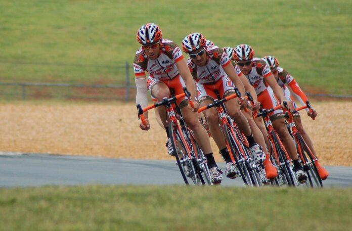 Giro d'Italia 2021, la Corsa Rosa si tinge sempre più di Green