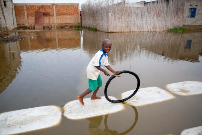 Crisi climatica, un miliardo di bambini a rischio per gli effetti del suo impatto