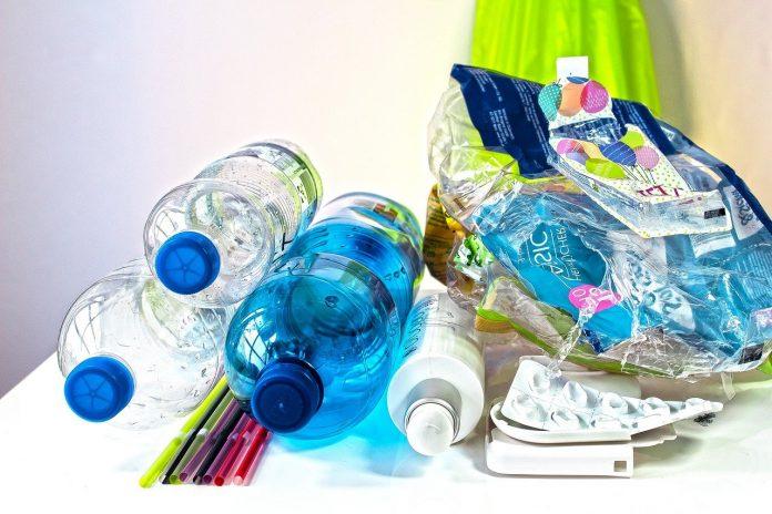 La produzione della plastica quanto costa? Più del Pil dell'India